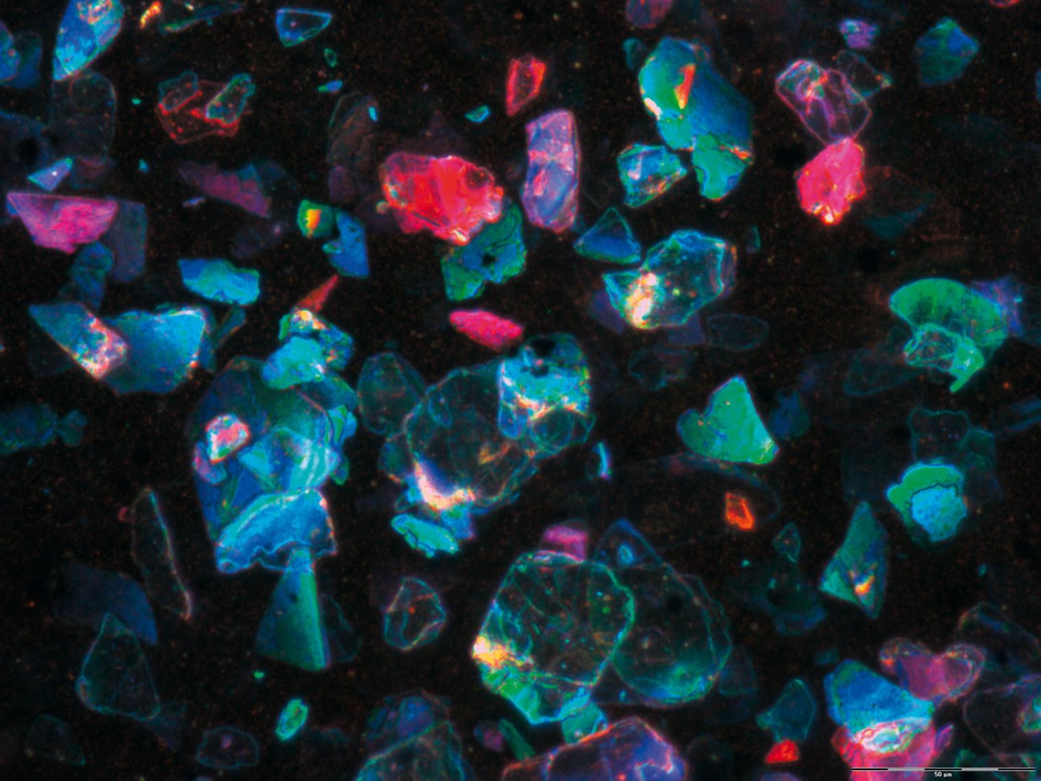Selbes Prinzip beim Lack: Winzige Strukturteilchen bewirken den Farbeffekt.