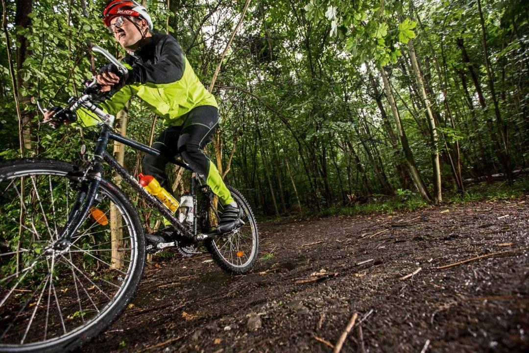 Jörg Glocker verkauft Lack für Mountainbikes und kennt die Belastungsgrenzen. ©Oliver Roggenbuck